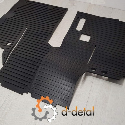 Комплект килимків підлоги кабіни МТЗ (правий + лівий) УК 80-6702332